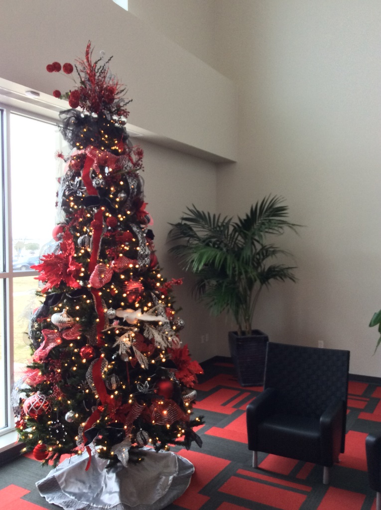 Allied-electronics-co-Christmas-lobby-decorations
