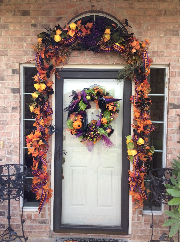 Halloween-fall-door-decoration