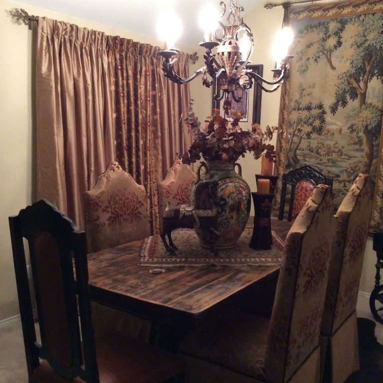 Old-world-style-diningroom-with-cowhide-rug