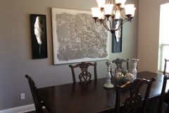 Updated-traditional-diningroom-with-transitional-accessories